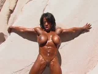 Black Bodybuilder Naked Woman Showing Us Her Muscles