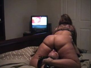 Husband Licking Wifes Pussy While She Is Watching Cartoon On TV