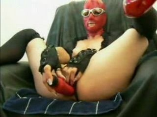 Masked Freaky Girl Dildoing Her Pee Hole And Piss After That