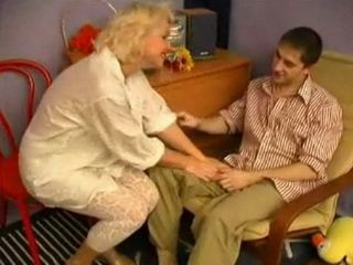 Slutty Mature Try To Seduce Naive Boy