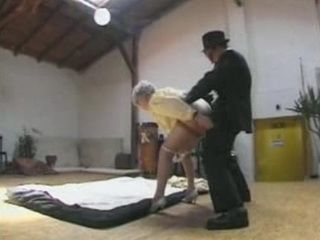 Younger Detective Fucked Mature Mom in Studio while his Friend Record