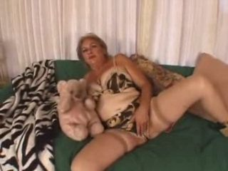 Chubby Mature Will Get Kinky and Nasty for a Taste of Cum