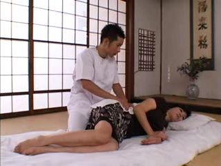 Therapist Boy Fucks Mature Woman At Massage