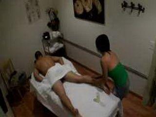 Asia Zo gives a sensual massage