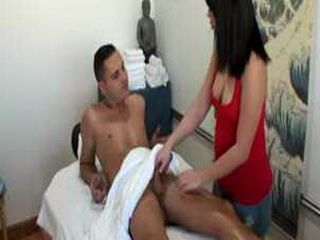 Asian masseuse paid to give a blowjob