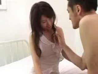 Guy Sucks Her Nipples And Put Her In Bed To Fuck Her
