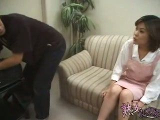 Japanese Housewife Fuck Young Repairman