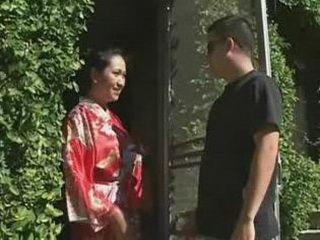 Geisha Giving A Blowjob To A Stranger