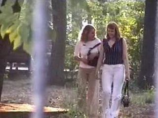 Maniac Taped Two Girls while they Pissing in the Park