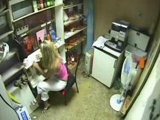 Blonde Teen Fuck her Boyfriend during the Pause