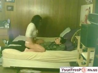 Teen Performs An Amazing Lapdance