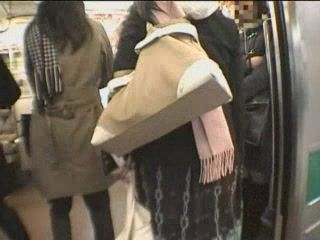 Japanese Handjob In Train 2