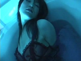 Teen Japanese Masturbating In Bath