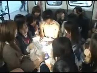 Japanese Man Accepted To Enter The Bus Fool Of Teen Girls