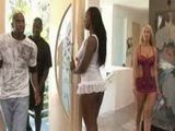 Ebony Milf Opened Door To A Wrong Guys