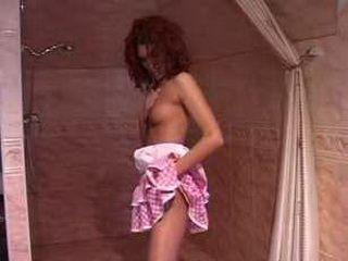 Skinny Teen Pussyfingering In Bath