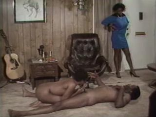 Black Mama Catches Dad Having Fun With her Young Cousin - Retro Porn