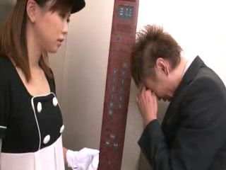 Guy Fools Young Lady That He Is So Afraid Of Being Stuck In Elevator So Girl Needed To Do Something To Cheer Him Up
