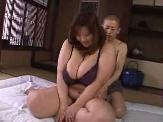 Big BBW Japanese Mama Fucks Skinny Small Boy