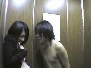 Elevator Maniac Molesting Japanese Women