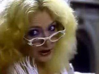 xxx classic Angel Buns 1981 (Veronica Hart, Tiffany Clark) 4