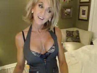 Mature Webcam Whore Dildos Her Pussy Part 1
