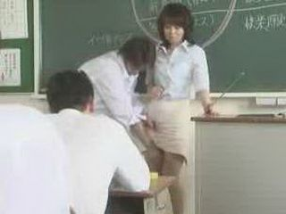 female teacher – reiko makihara 1
