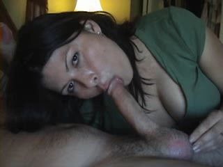 Beautiful USA Amateur Wife Gives Blowjob and Swallows Every Drop of Cum
