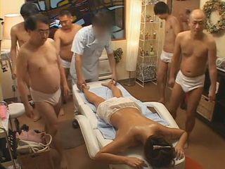 Japanese Busty Milf Hitomi Tanaka Comes To Really Fucked Up Massage Salon