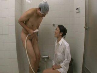 Shy Stepson Gets Bathing Time Of His Life From His Hot Stepmom Reiko Kobayakawa