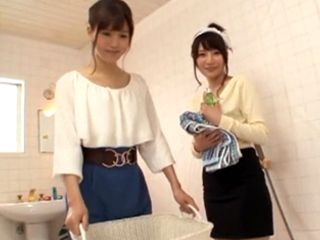 Bathing With Two Asian Hotties Is More Than Interesting