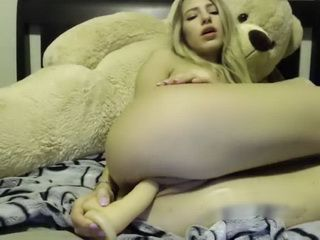 Hot Blondie Masturbates Her Sweet