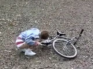 Teen Girl With Broken Bike In The Woods Will Get An Unexpected Help From Total Stranger