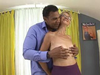 Skinny Granny Refresh Herself With Black Cock In Her Mouth