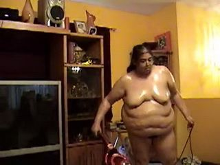 Fat Chick Likes Cleaning The House Naked