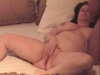 Playing With Her Fat Pussy And Get a Facial