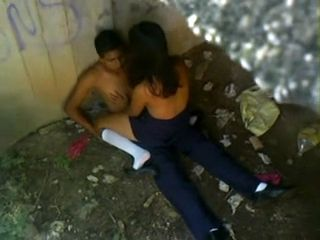 Latin Amateur Teenagers Busted By Police Officers Fucking In Public