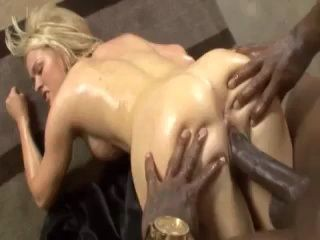 Sexy Busty Girl Oiled Her Hot Body And Worshipping BBC