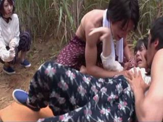 2 Village Girls Otoha Nanase and Ruka Kanae Trapped By Two Punks And Roughly Assaulted In The Field