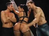 Bubble Butt Girl Loves Threesome Anal Fucking