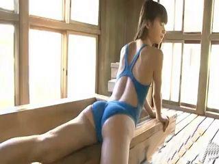 Japanese Teens In Bathing Suits