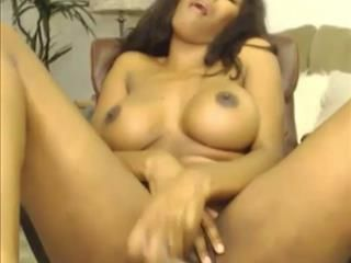 Busty Chocolate Girl On Webcam