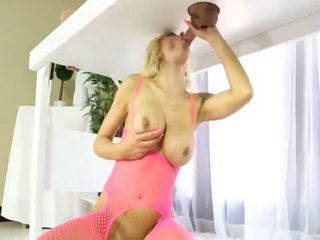 Huge boobs masseuse fucked by her client