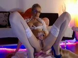 Skinny Milf In Nylons Rubbing Her Clit On Webcam