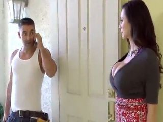 Big Boobed Latina Housewife Got her Pussy Examined By Handyman
