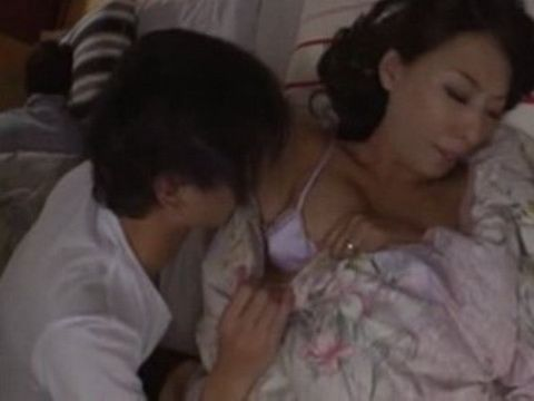 Horny Teenager Fuck His Sleeping Stepmother Right Next To His Sleeping Father