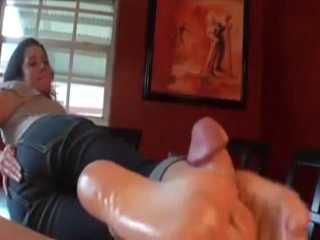 Good Wife Must Satisfied Her Hubby With Footjob Today
