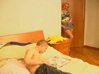 Blonde Stepmom Caught Young Boy In Very Unpleasant Situation