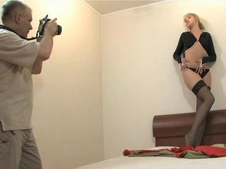 Naive Teen Couldnt Assume That She Will Be Fooled Into Fucking By Old Photographer
