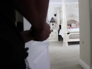 Spying On Stepsister While She Was Masturbating Totaly Pays Off